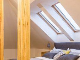 Okno dachowe - dekoracje, które dodadzą mu charakteru
